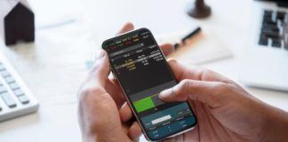 Choosing Between an Exchange Traded Fund and a Mutual Fund